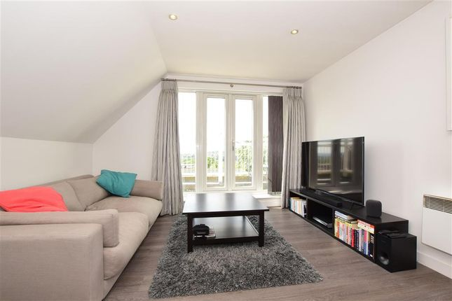 Thumbnail Flat for sale in High Road, Buckhurst Hill, Essex