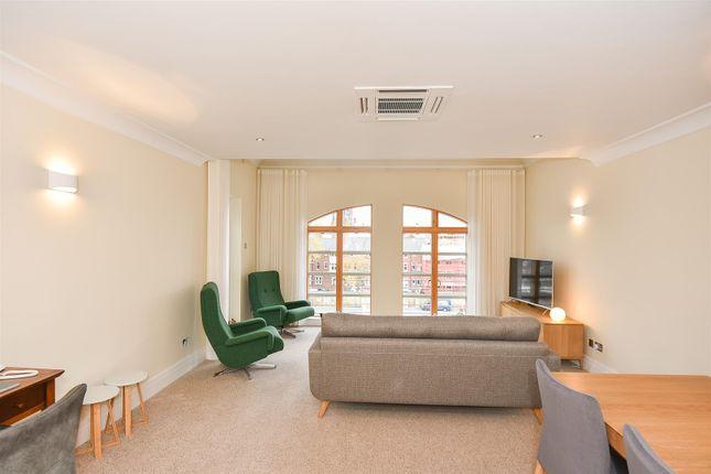 Thumbnail Flat to rent in Skeldergate, York