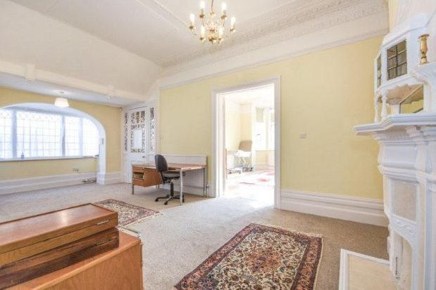 Thumbnail Flat to rent in Imperial Avenue, Westcliff-On-Sea