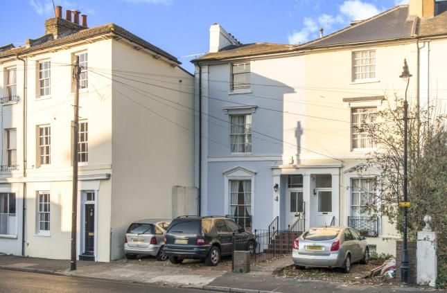 Thumbnail Terraced house for sale in Clarence Place, Gravesend, Kent, Gravesend