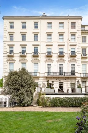 Flat for sale in Hyde Park Gardens, London