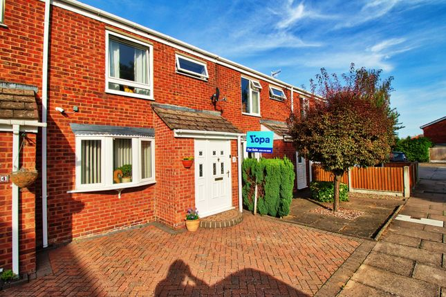 3 bed terraced house for sale in Colesborne Close, Worcester WR4