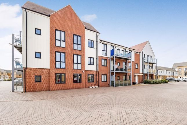 Thumbnail Flat for sale in Falcon Avenue, South Ockendon