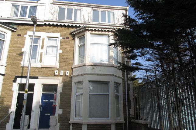 Thumbnail Flat to rent in Windsor Avenue, Blackpool