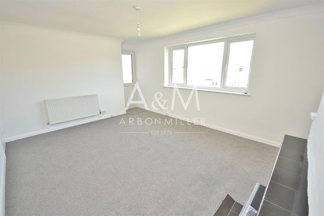 Thumbnail Flat to rent in Florence Close, Hornchurch