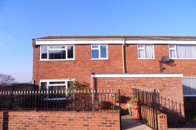 3 bed property for sale in Sorrel Drive, Eastbourne