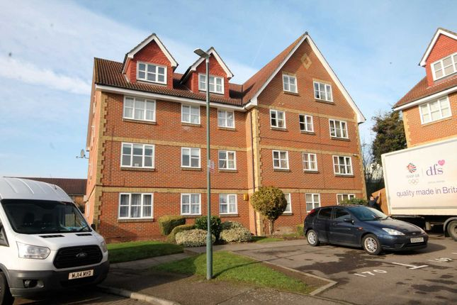Thumbnail Flat to rent in Canada Road, Erith