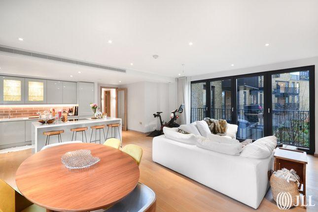 Thumbnail Flat to rent in Ram Street, London