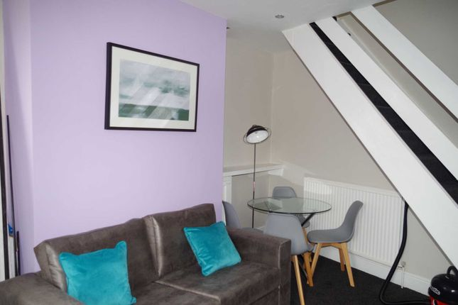 Thumbnail Shared accommodation to rent in Gordon Avenue, Bolton