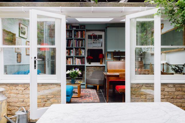 Thumbnail Terraced house for sale in Moon Street, London