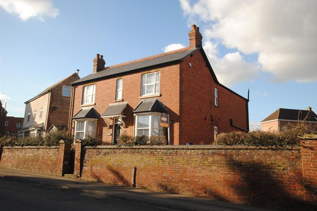 4 bed detached house to rent in High Street, Irthlingborough, Wellingborough NN9