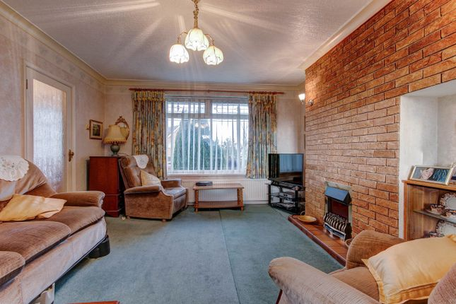Lounge of Malvern Road, Headless Cross, Redditch B97