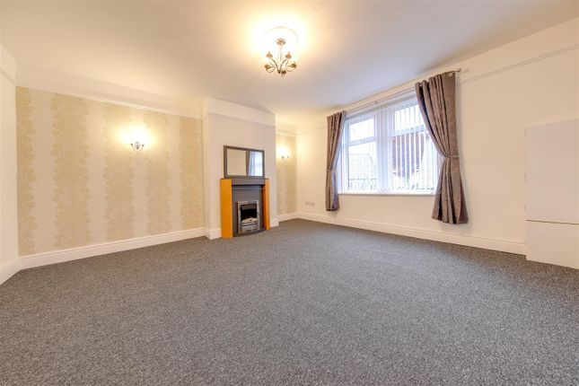 Thumbnail Property to rent in Burnley Road, Rawtenstall, Rossendale