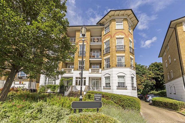 2 bed flat for sale in Southlands Drive, London