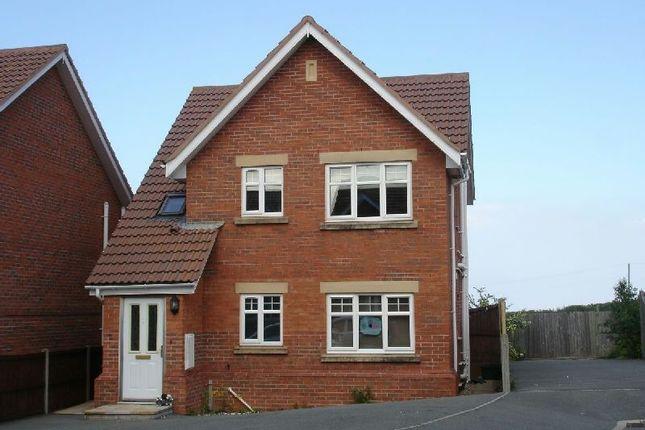 Thumbnail Flat to rent in Copa Bryn, Llysfaen, Colwyn Bay