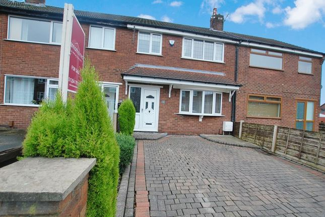 3 bed mews house for sale in Leven Close, Kearsley, Bolton
