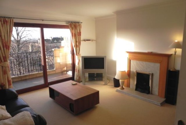 Thumbnail Flat to rent in Cleveden Drive, Glasgow