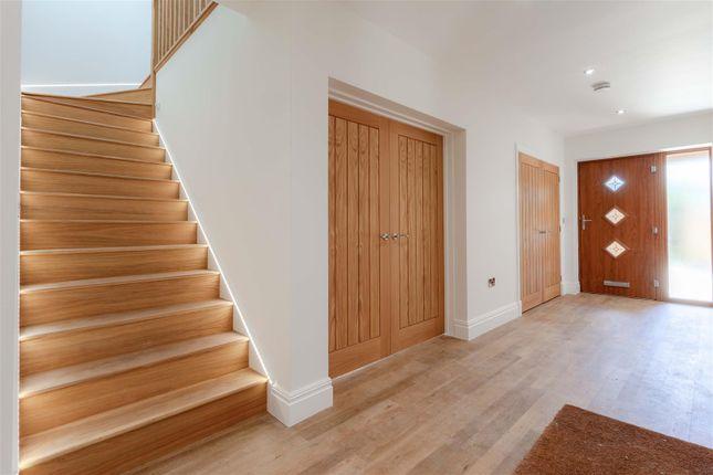 Hallway  (1 Of 1)-8-8