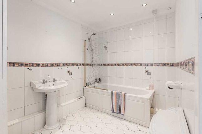Bathroom of Hale Road, Halebank, Liverpool WA8