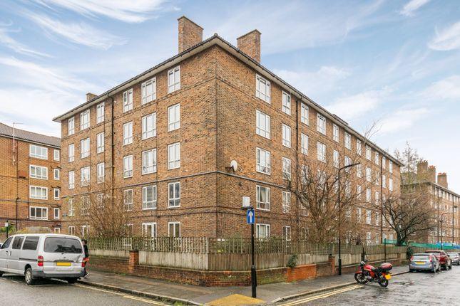 Thumbnail Flat for sale in Rossendale Street, London