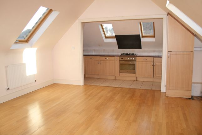 Flat to rent in Eversleigh Road, Finchley