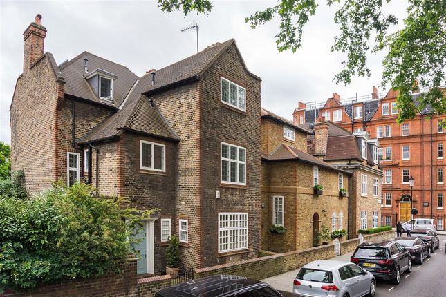 Thumbnail Terraced house to rent in Chelsea Park Gardens, London