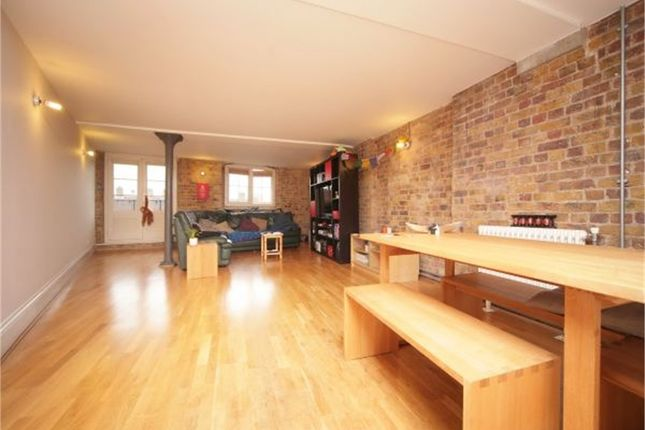 Thumbnail Flat for sale in Globe Wharf, Rotherhithe Street, Rotherhithe
