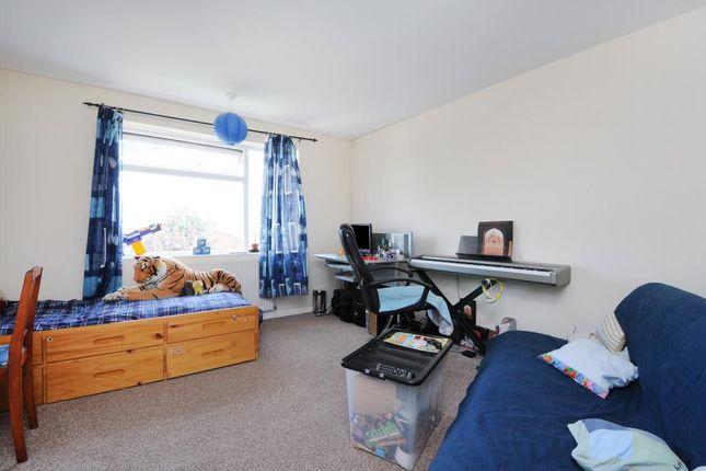 Bedroom of Queensway, Didcot OX11