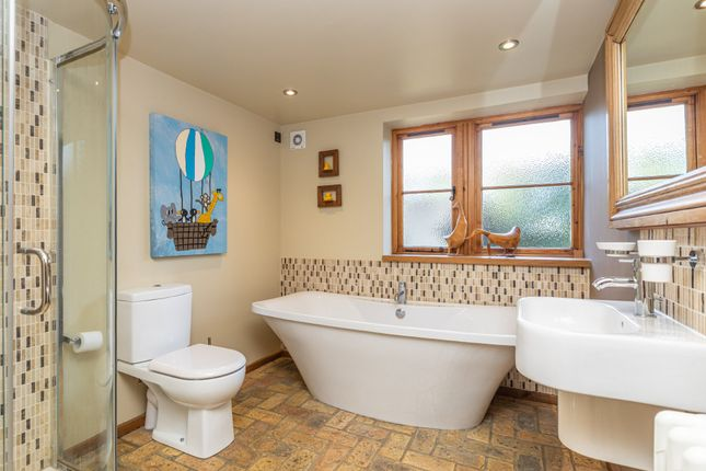 Family Bathroom of Upwick Green, Albury, Ware SG11