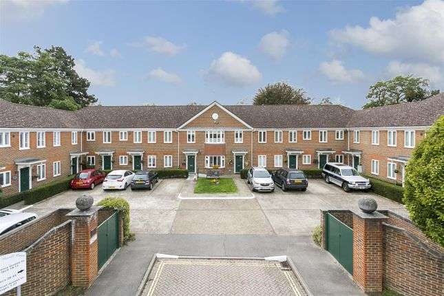 Thumbnail Flat for sale in Nevill Court, West Malling