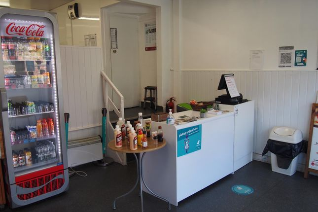 Thumbnail Restaurant/cafe for sale in Cafe & Sandwich Bars LS4, Burley, West Yorkshire