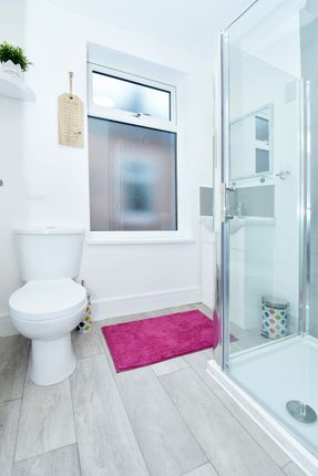 Thumbnail Shared accommodation to rent in London Road, Stoke On Trent