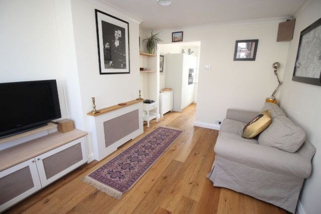 Thumbnail Terraced house to rent in Gladeswood Road, Belvedere