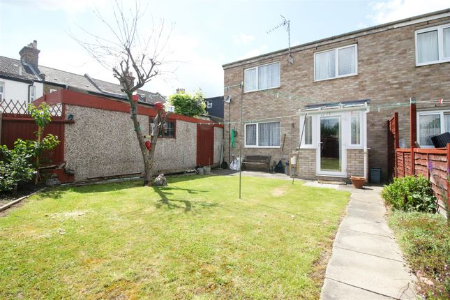 Thumbnail End terrace house for sale in Priors Mead, Enfield