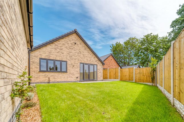 2 bed detached bungalow for sale in Springvale Gardens, Danesmoor, Chesterfield, Derbyshire S45
