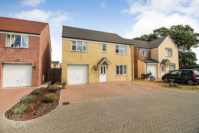 Thumbnail Detached house for sale in Norwich Road, Lingwood, Norwich