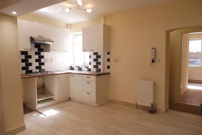 Thumbnail Flat to rent in High Street, Grantham