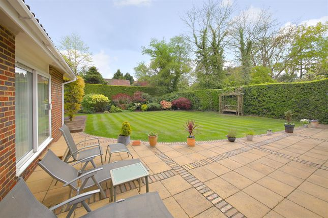 Thumbnail Bungalow for sale in Oaklands Lane, Arkley, Barnet