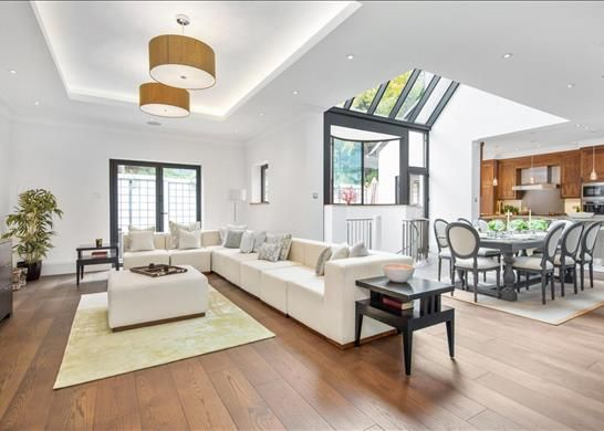 Thumbnail Property to rent in Home Park Road, Wimbledon, London
