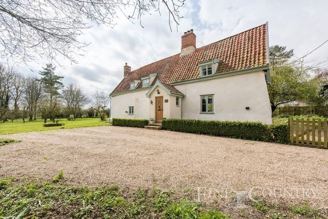 Thumbnail Detached house for sale in Bates Lane, Fersfield, Diss