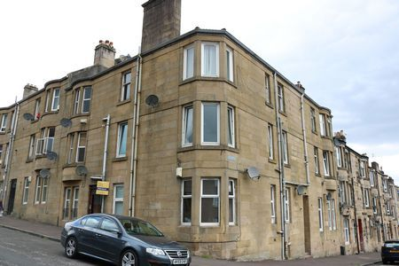 Thumbnail Flat to rent in Gertrude Place, Barrhead