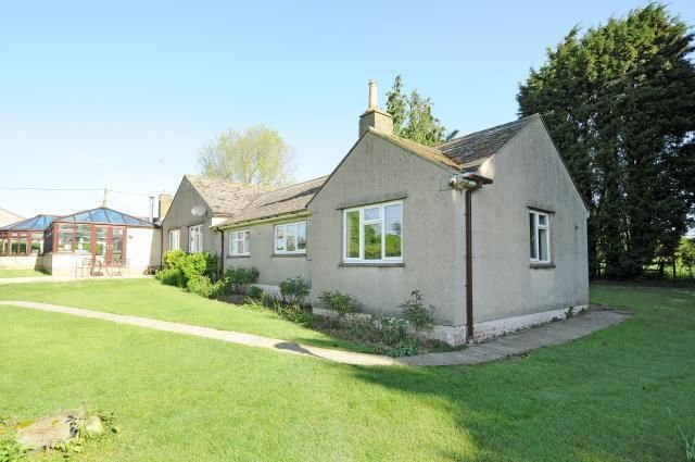 Thumbnail Bungalow to rent in Oxford Rd, Witney