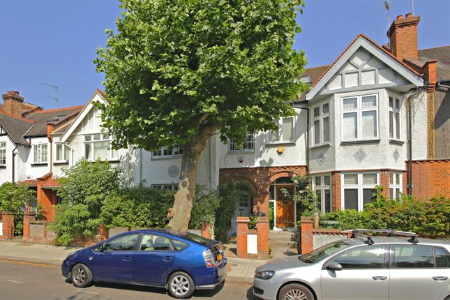 Thumbnail Property for sale in Glenhurst Avenue, London