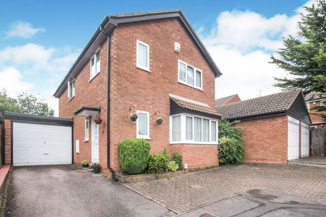Walsingham Close, Luton LU2