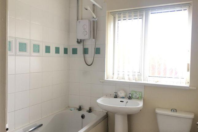 Bathroom of Marbury Road, Kirkby, Liverpool L32