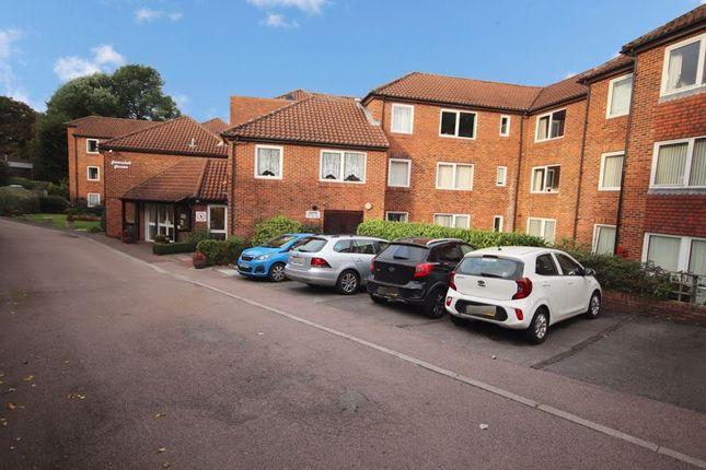 1 bed flat for sale in Homedell House, Harpenden AL5