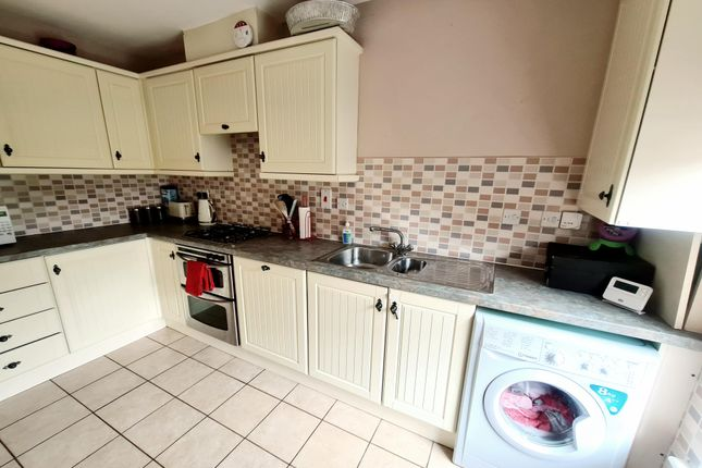 Thumbnail Property to rent in Christ Church Close, Stamford