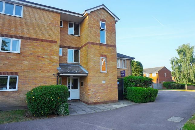 Thumbnail Flat for sale in Dorchester End, Colchester