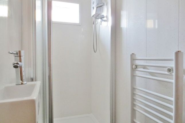 Shower Room of The Avenue, Brighton BN2