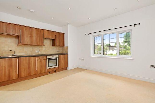 1 bed property to rent in Rosemount Avenue, West Byfleet, Surrey